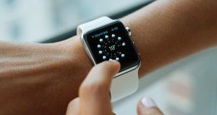 مستخدم للساعة الذكية Apple Watch يرفع دعوى قضائية ضد شركة آبل