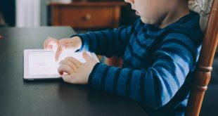 طريقة ضبط إعدادات الخصوصية باستخدام أدوات الرقابة الأبوية لأجهزة آيفون وآيباد