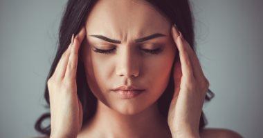 علماء يطورون جهازا ذكيا لعلاج الصداع النصفى دون دواء