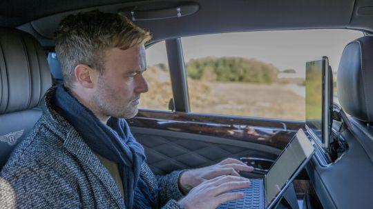 Bentley تطلق أول نظام Wi-Fi فائق السرعة داخل سيارة