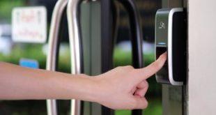 تقنية ذكاء اصطناعى قادرة على خداع بصمات الاصبع وفتح قفل الهاتف الذكى