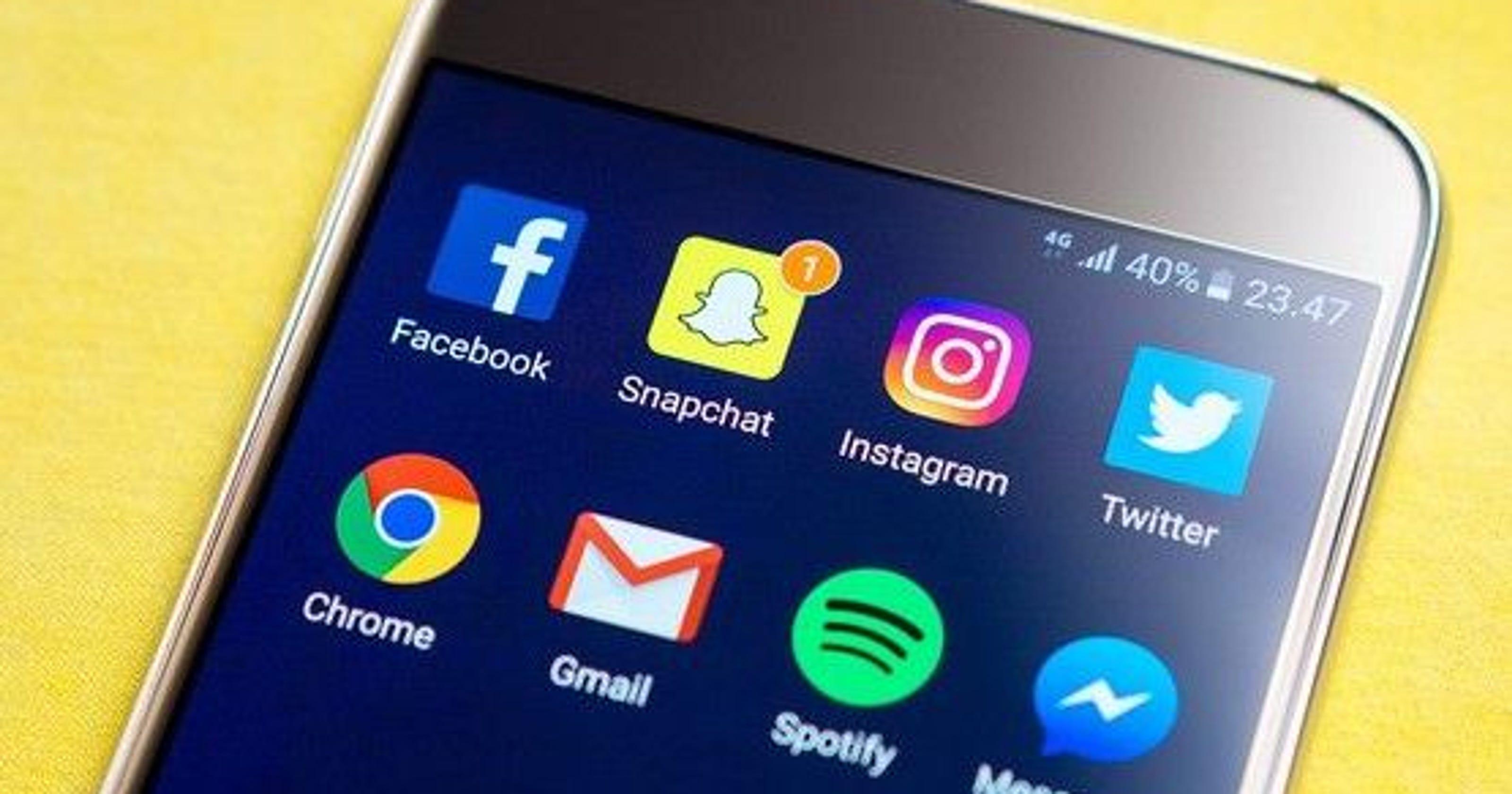 بالخطوات.. كيف تحفظ مقاطع الفيديو من تويتر وفيس بوك على جهازك؟