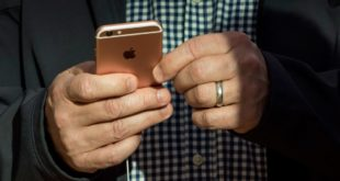 كيفية تعقيم هاتفك الذكي خلال تفشي فيروس كورونا وفقًا لآبل وجوجل