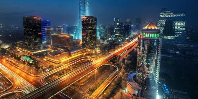 (مدينة عربية مستقبلية متطورة بلا سيارات وشوارع(ذا لاين في نيوم