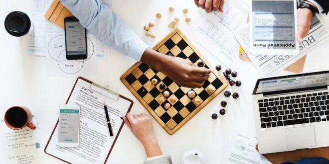المهارات الشخصية التي يحتاجها حديث التخرج في سوق العمل