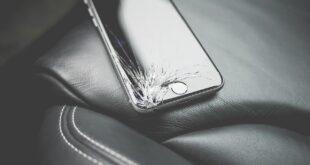 عادات سيئة تعجّل بتدمير الهاتف الذكي توقف عن فعلها فوراً