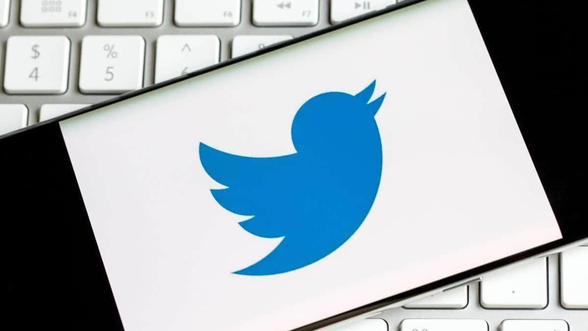 تويتر تغلق تطبيق Periscope نهائيًا
