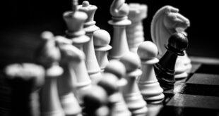 كاسباروف يطلق منصة الشطرنج KasparovChess