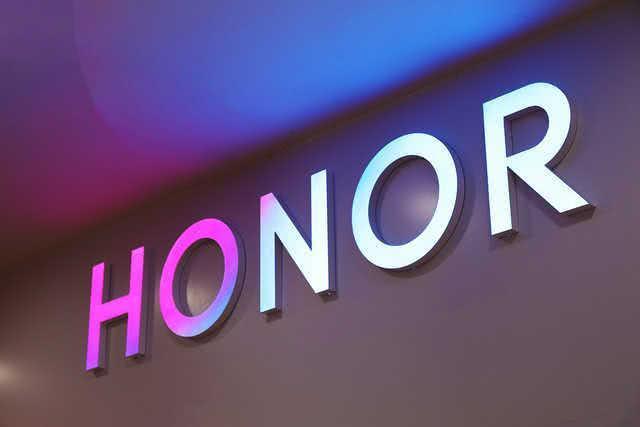 Honor تنفصل عن هواوي و تستعيد خدمة جوجل