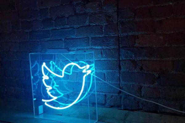 تويتر تتيح لك تغيير من يمكنه الرد على تغريدة بعد نشرها