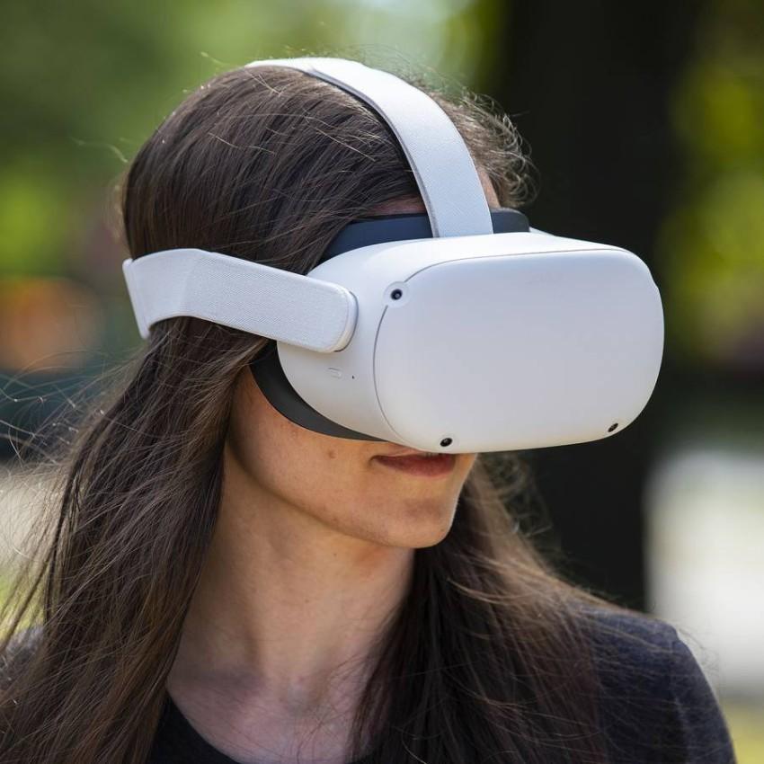 فيسبوك توقف مؤقتًا مبيعات Oculus Quest 2