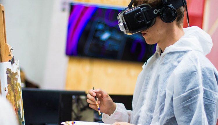 ما هي أهمية الواقع الافتراضي في التعليم